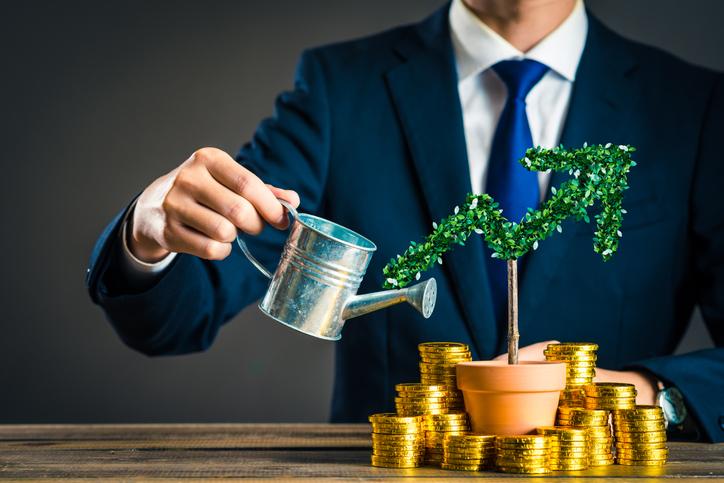 【年代別】おすすめ資産形成方法|資産2000万円を築くための投資額
